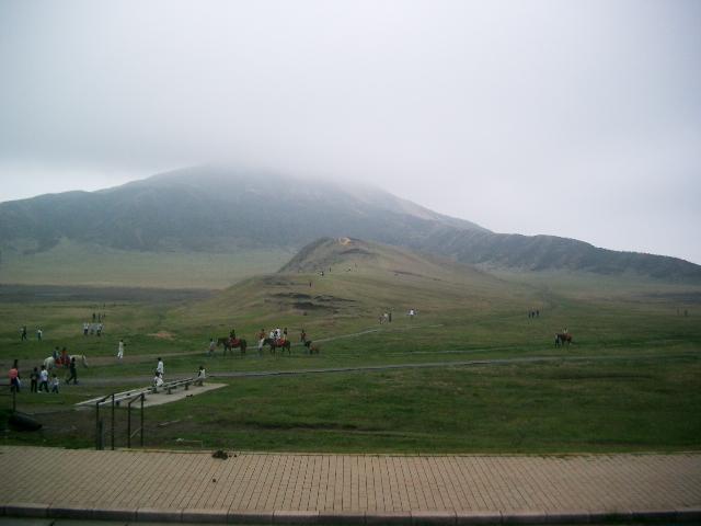 熊本の阿蘇山は「世界一大きなカルデラ」じゃなかった!日本一でもなかった問題