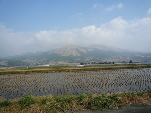 阿蘇山噴火も旅行には影響なし!観光客も戻ってきてるぞ!安心して熊本においで!