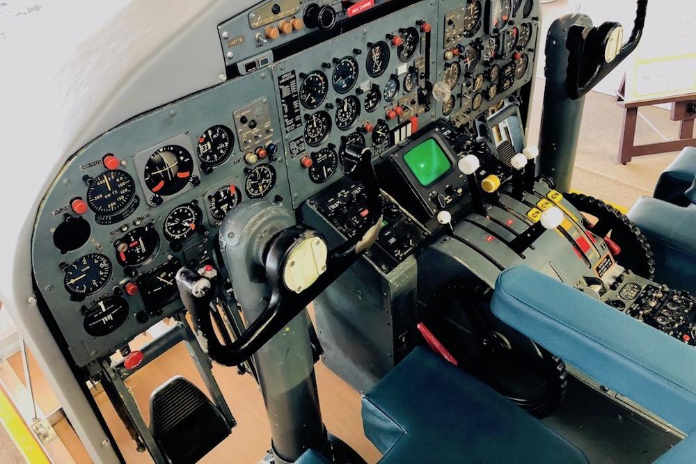 阿蘇くまもと空港でパイロット気分♪リアルな操縦が体感できるフライトシミュレーター@上益城郡